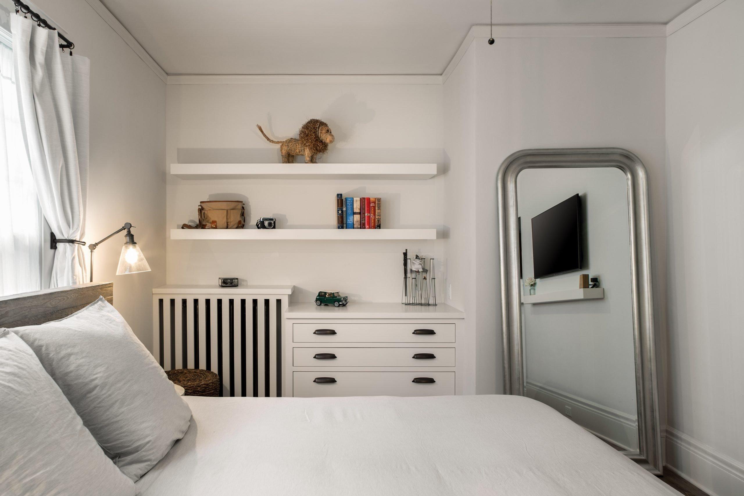 Master suite custom shelving & drawers